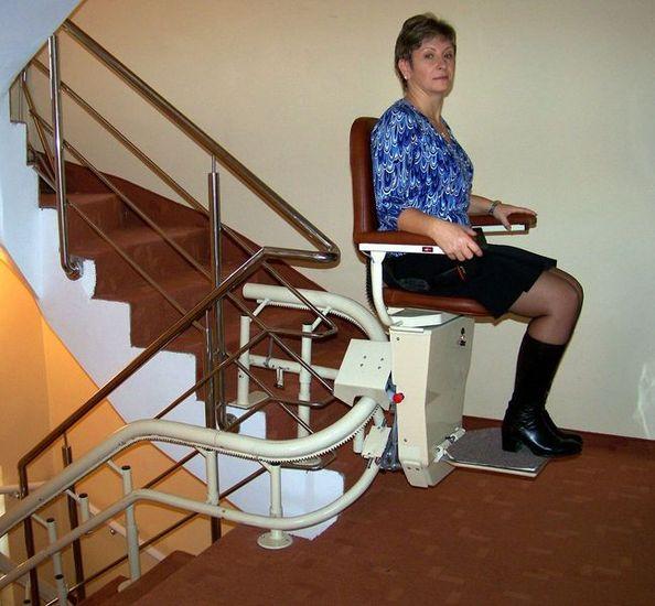 prix devis estimatifs monte escalier courbe midi pyr n es. Black Bedroom Furniture Sets. Home Design Ideas